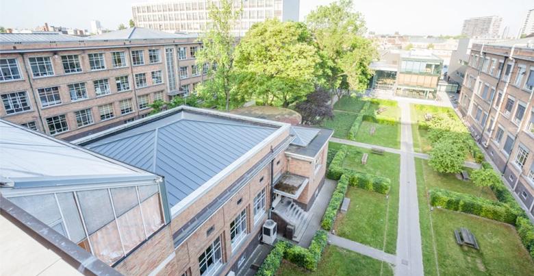 Plat dak: voordelen, prijs en mogelijkheden