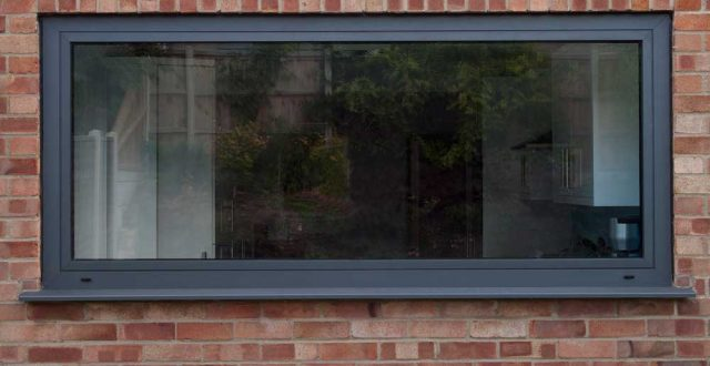 Voorbeeld van ramen in RAL 9011 (grafietzwart)