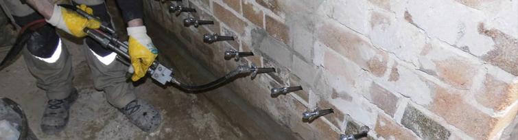Opstijgend vocht bestrijden: muur injecteren